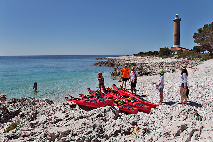malik_adventures_10_pebblestone-beach-on-dugi-otok