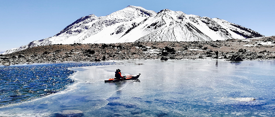12a-DanielBull-HighestKayak-Breaking-through-the-ice,-the-first-human-to-enter-this-lake-at-5,707m-_-18,723ft