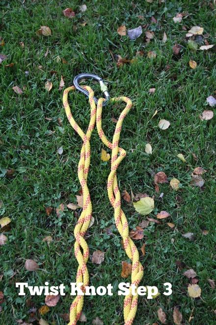 15-Twist-knot-step-3
